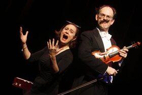Die Fledermaus à trois - Von Johann Strauss und Richard Genée