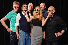Bild: FEE - 80er-Jahre Kultband FEE besucht den ASB-Bahnhof