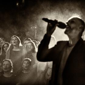 Bild: Sing Dela Sing - Alle singen, all night long.
