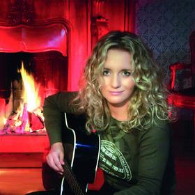 Bild: Nachtlicht - Weihnachtskonzert - Christina Rommel & Band präsentieren Songs für einen Winterabend
