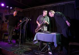 Bild: 2 elektronische Trios um Christoph Cech