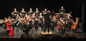 Neujahrskonzert - Ungarische Kammerphilharmonie u. Ltg. v. Antal Barnás