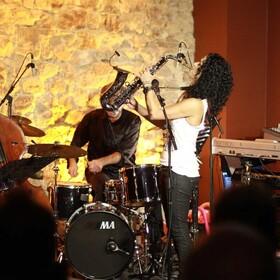 Bild: Angela Puxi Quartett - - Sax-Affin-Isten -