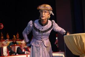 Bild: Fräulein Baumann -  die letzte Überlebende aus Heesters Krabbelgruppe