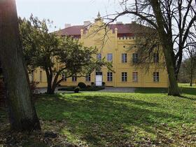 Bild: Vorweihnachtliche Lesung auf Schloss Nennhausen