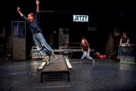 Bild: Runter auf Null - Schauspiel für alle ab 13 Jahren
