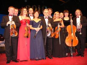 Bild: Neujahrskonzert mit dem Salonorchester Metropol - und den Solisten Manja Sabrowski und Christoph Schröter