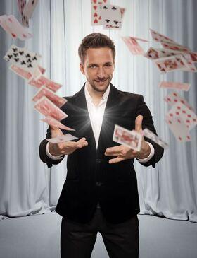 Bild: Peter Valance - Germanys best Illusionist - Illussionen, magische Stunts & Comedy