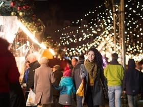 Bild: Von Ahle Worscht bis Zwibbelkuchen - Kulinarische Führung über den Weihnachtsmarkt
