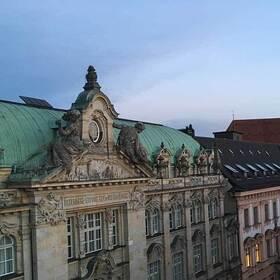 Bild: Im Westen nichts Neues? - Fragen an München nach 1989