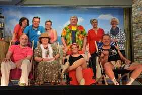"""Bild: Plattdeutsches Theater - """"Tratsch in Pollmanns Gaorden"""" von Helmut Schmidt"""