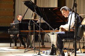 Bild: Burhan Öcal (Percussion) und Alexey Botvinov (Piano): Bach. Reloaded
