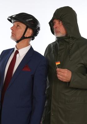 """Bild: """"Kein Netz, aber 3 Klotüren"""" - Das neue Kabarett-Programm von Ranz & May"""