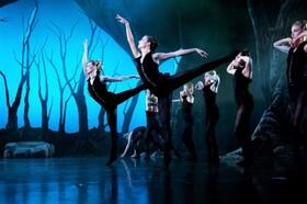 Bild: A MIDSUMMER NIGHT´S DREAM IN VEGAS - Odyssey Dance Theater