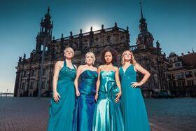 Bild: Elbland Philharmonie Sachsen und Medlz - A Capella – Popband trifft Orchester