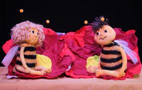 Bild: Kinderspaß im Kloster: Biene Maja lernt fliegen - Theater Boka, Puppentheater mit Musik ab 3 Jahre