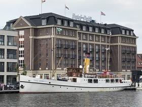 Bild: Historische Dampferfahrt auf der Ems nach Emden - Auf der