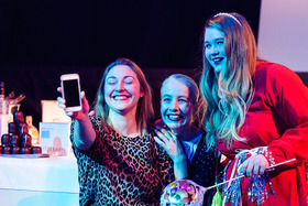 Bild: Die drei Schwestern - Premiere