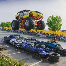 Bild: Dynamit auf Rädern - NO LIMIT