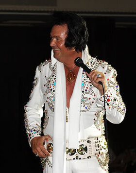 Viva Las Vegas - Elvis The Show - RIO THE VOICE OF ELVIS mit Bigband & Chor