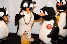 Bild: Die kleinen Pinguine und ein Osterei