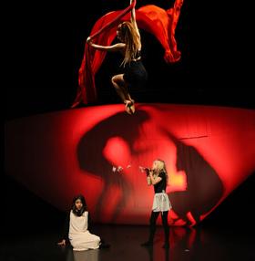 Bild: Songa Songo - eine artistische Traumreise