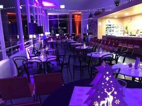 Bild: Kerzenscheinkonzert - im Foyer der Konzerthalle - HörGenuss hautnah & live