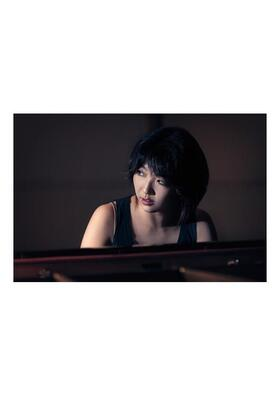 Bild: Claire Huangci, Klavier - Grünstadter Sternstunden