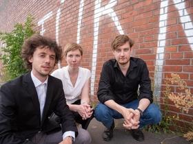 Altstadtkonzert: TARS Trio Barock Kammermusik - Kinderkonzert - Frühling im Garten der Riesen