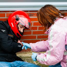 Bild: Fit in Erster Hilfe für Motorradfahrer