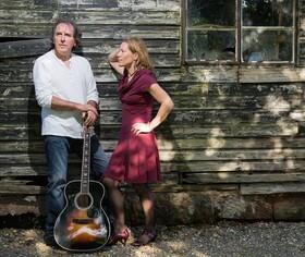 Bild: Paul Walker und Karen Pfeiffer - Auf Wiedersehen, Me Duck