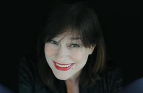 """Bild: Ulla Meinecke - die grande Dame der poetischen Popmusik mit ihrem Programm """"Und danke für den Fisch"""""""