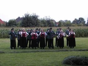 Bild: Jagdhornkonzert im Arboretum Melzingen