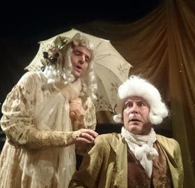 """Bild: """"Napoleon und seine Kastraten"""" - Theater L.E.O. – Letztes Erfreuliches Operntheater, Wien - mit Kunstpfeiferin Eleanore von Pfiff"""