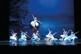 Bild: Schwanensee - nach P. Tschaikowsky - Prager Festspiel Ballett