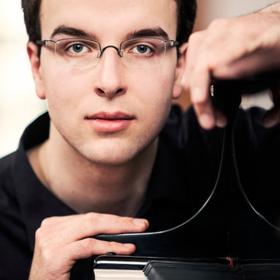 Knut Hanßen - Klavier