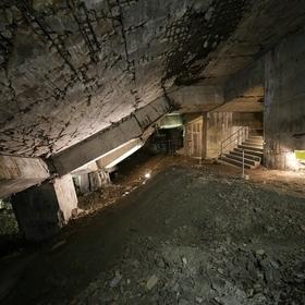 Eintrittskarte Tour 2 (Deutsch) – Vom Flakturm zum Trümmerberg - Einstieg in eine faszinierende unterirdische Ruinenlandschaft