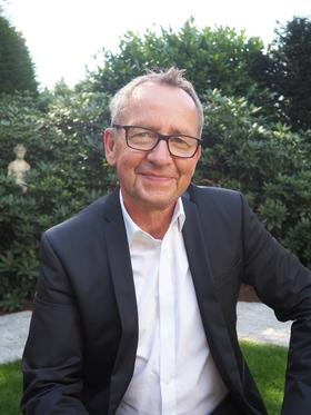 Bild: Ferdinand Linzenich - Schluss mit dem Theater!