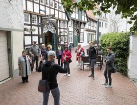 """Bild: Der """"Osnabrücker Handschlag"""" - mit Friedenssaal"""