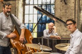 Bild: Edgar Knecht Trio - Personal Seasons