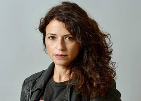 Bild: Karine Tuil: Menschliche Dinge - Zweisprachige Lesung und Gespräch mit Maja Ueberle-Pfaff