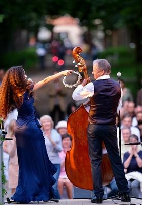 Sommerkonzertmatinee mit dem Jazz-Quartett 4 to the bar - Das Konzert mit der Vorgruppe beginnt um 11:00 Uhr!