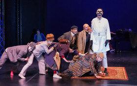 Bild: Clowns im Sturm - Eine komisch-musikalische Traumfahrt in die Fremde von Roberto Ciulli und Matthias Flake