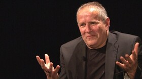 Notwehr für Alle! - Politisches Kabarett - Am Flügel begleitet Helmut Lörscher