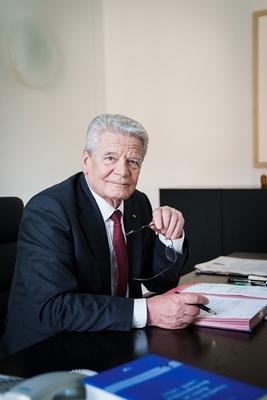 Bild: ErLesen am Sonntag - Autoren zu Gast - Joachim Gauck -