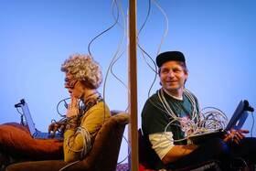 Bild: Oma geht online - ONLINE-STREAM - AUF DIE PLÄTZE ... Hamburger Kindertheater Treffen 2021