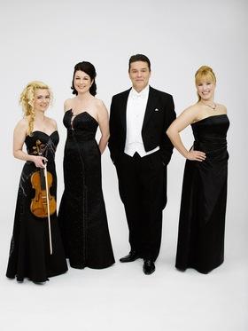 Bild: Stefan Lex & Sigrid Althoff mit Ensemble - Vier mit Klavier