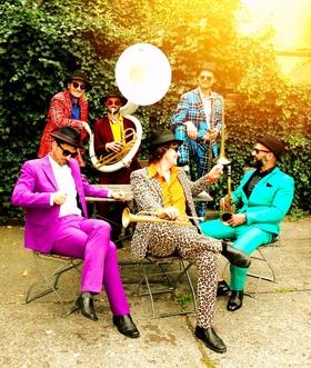 Bild: Brazzo Brazzone & The World Brass Ensemble - Präsentiert vom Jazzclub Lübbecke