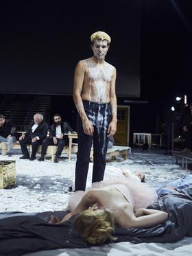 Bild: Christopher Rüping / Münchner Kammerspiele - Dionysos Stadt Open Air