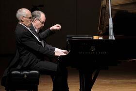 Bild: Klavierduo Stenzl & Junger Kammerchor Ostwürttemberg
